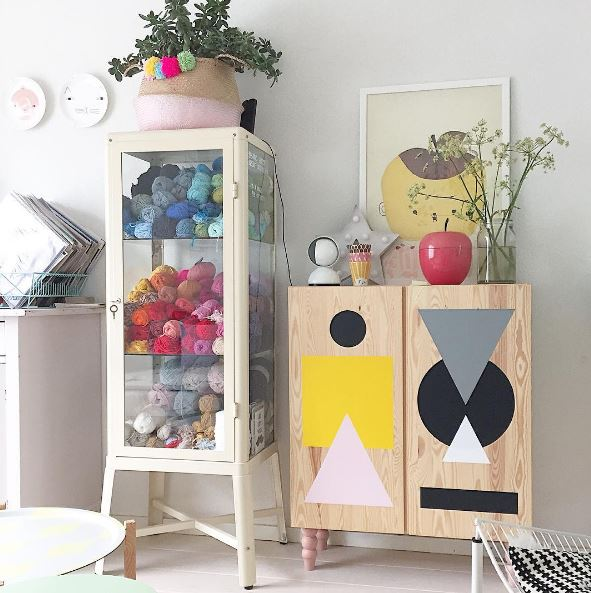 pretty movement the place to be to check out inspiring ikea hacks prettypegs ikea ivar. Black Bedroom Furniture Sets. Home Design Ideas